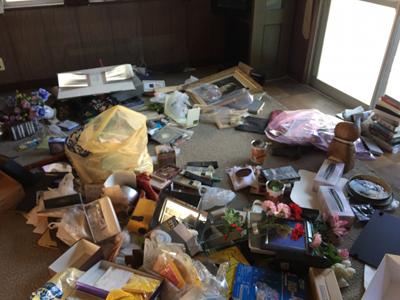 お部屋の不用品を回収しました